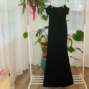 "Lulu's ""Lynne Black Off-the-Shoulder Maxi Dress"""